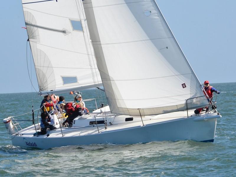 sailing-2040826_1280